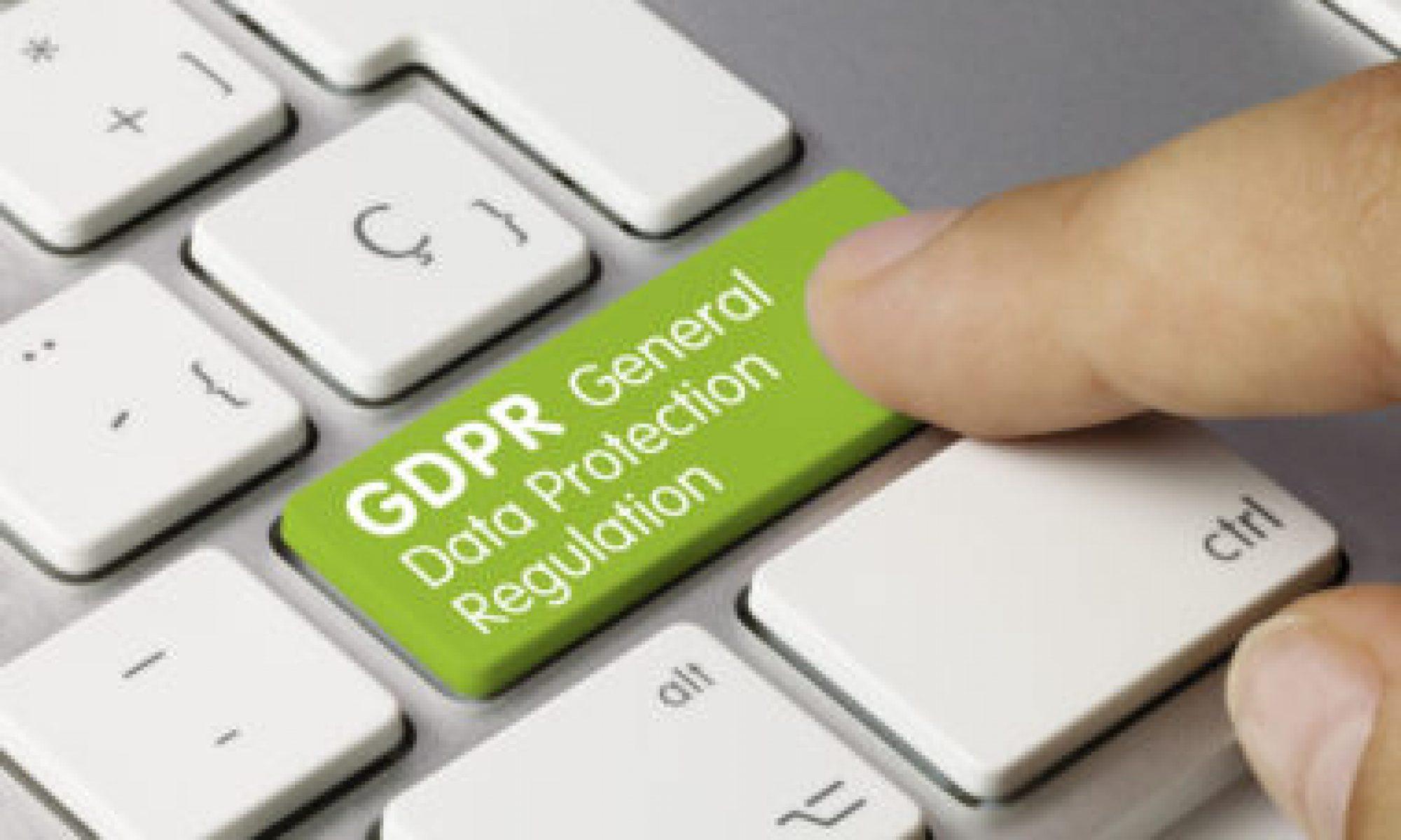 rodo zielony klawisz z napisem ochrona danych osobowych